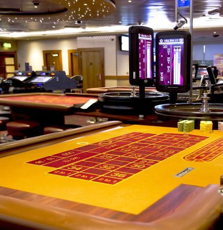 grosvenor casino queens road reading