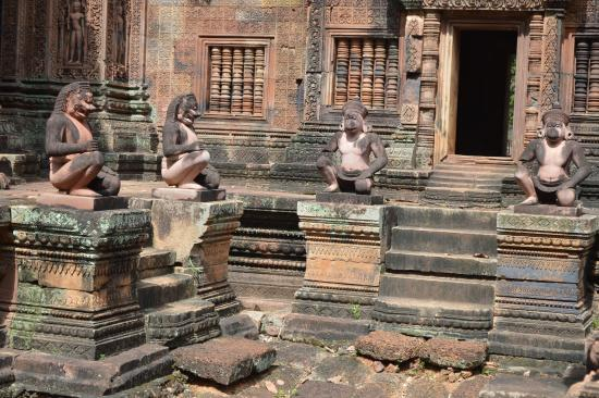 banteay srei monkey gods adorn the temple at banteay srei picture of banteay