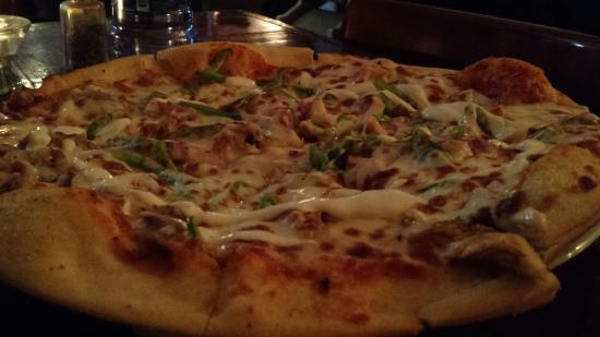 The Rainbow Inn Seafood & Steak House: Cajun Chicken with Garlic Aoli...OMG