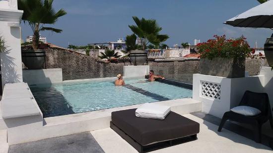 Hotel Casa Lola: Piscina
