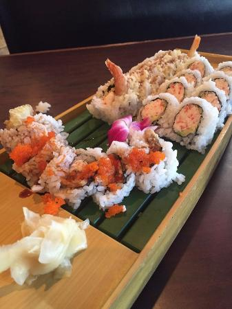 Four Seasons Sushi Bar & Grill