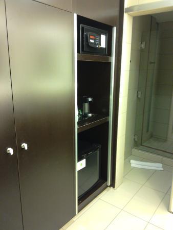 Maricopa, Αριζόνα: Closet, safe, small frig, coffeemaker