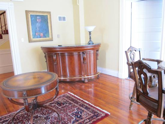 The Swope Manor Bed & Breakfast: Lounge