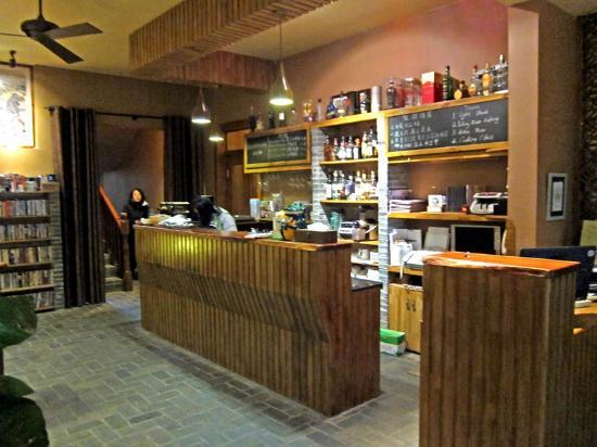 Moondance Boutique Resort: Reception/bar