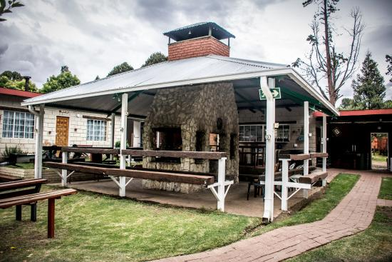 Clarens Inn & Backpackers : Central lodge area