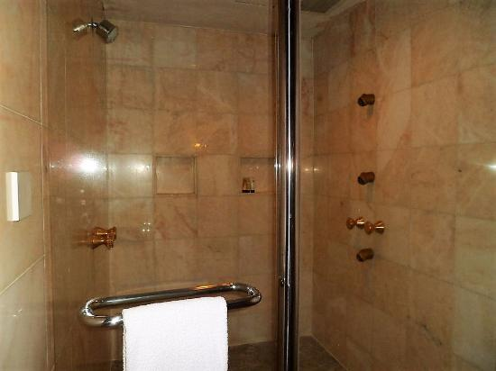 Grand Millennium Kuala Lumpur: 3rd Bedroom Huge Shower Cubicle With  Multiple Shower Head