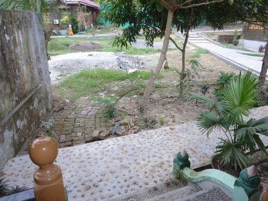 Shwe Thazin Hotel Mrauk U