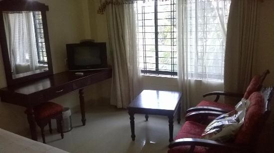 Hotel Gee Bee Palace: room_1