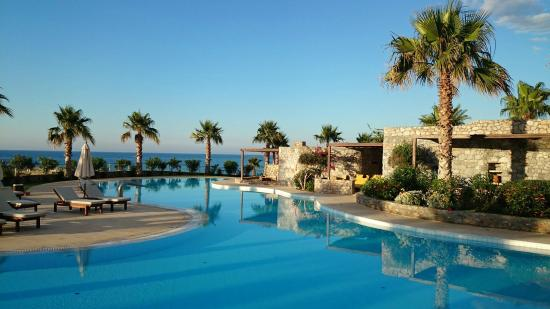 Ikaros Beach Resort & Spa: Relaxing  Pool