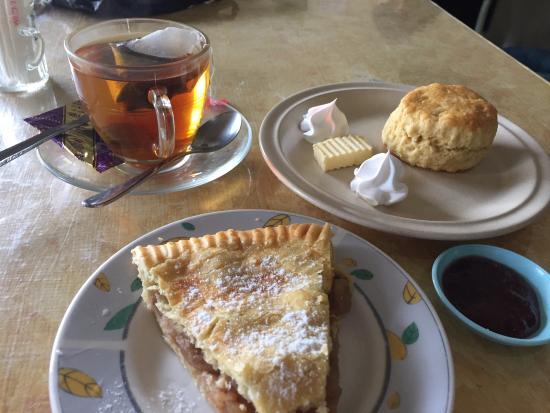 Left to right : Apple pie, original scone