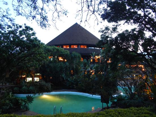 Safari Park Hotel: Cafe Kigwa  - 24hr International Restaurant