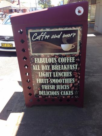Coffee and More, Batlow