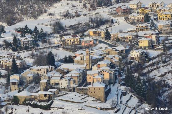 San Benedetto Belbo, Italy: San Bendetto Belbo quasi notte
