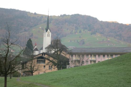 Hotel Krone Giswil: surrounding views