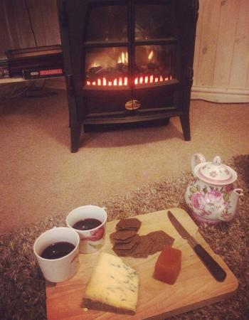 Lakeside Town Farm: The cosiest place in the world