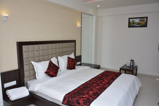 Hotel Darshan Rajula
