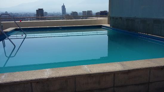 Torre Tagle, Departamentos Amoblados: piscina no terraço