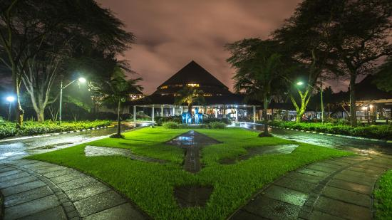 Safari Park Hotel: Pavillion