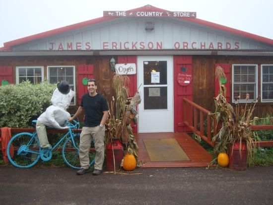‪Erickson Orchard and Country Store‬