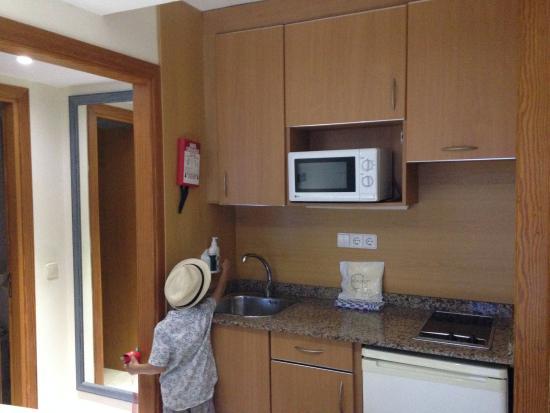 Apartamentos Cala d'Or Playa: кухонный уголок