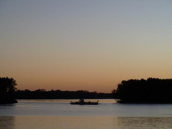 Grafton, IL: upriver