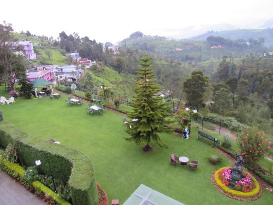 Nahar Retreat & Spa: Hotel Lawns
