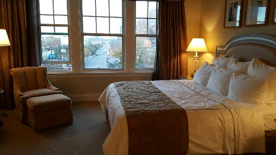 Warwick Melrose Hotel Dallas: 20151123_170655_large.jpg