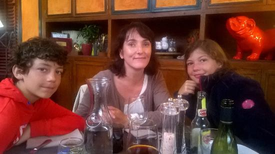 Bort-les-Orgues, Prancis: A table !!!