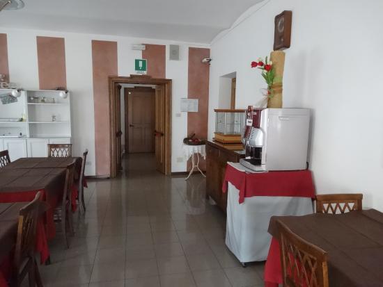 Albergo Rondo: sala do café da manhã