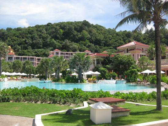 centara grand beach resort phuket garden picture of. Black Bedroom Furniture Sets. Home Design Ideas