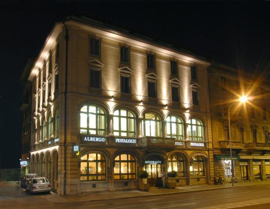 Hotel Pestalozzi Lugano: Hotel Pestalozzi by night