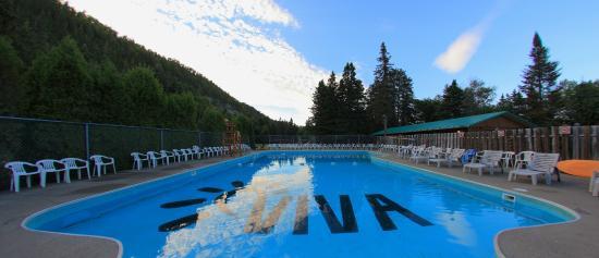 Village vacances petit saguenay canada voir les tarifs for Camping a quebec avec piscine