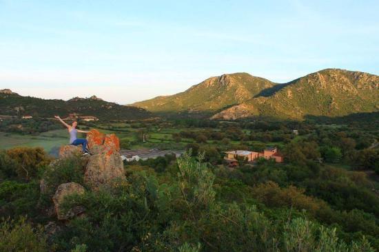 Villagrande Strisaili, อิตาลี: vista della struttura da sopra il nuraghe