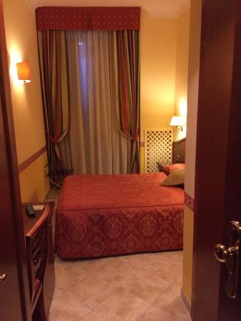 Hotel Dolomiti: Rm 206