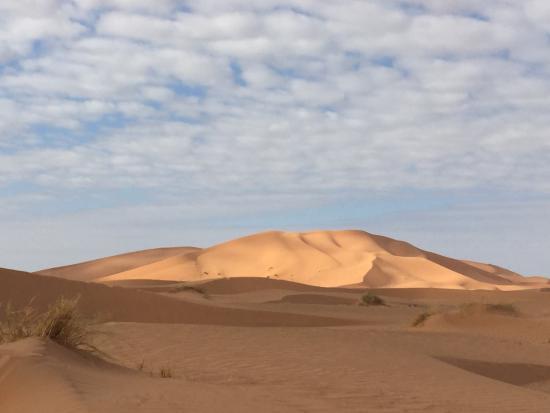 Les Cles Du Desert Luxury Bivouac: The dunes at sunrise