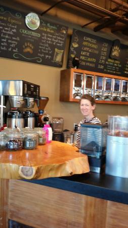 Bear's Den Coffee Shop