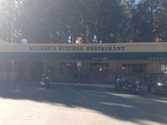 Palomar Mountain, แคลิฟอร์เนีย: Exterior of restaurant