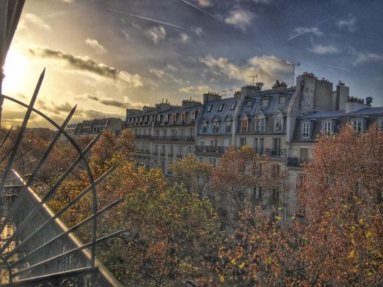 Grand Hotel Francais: Sunrise from 5th floor