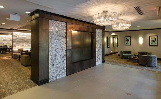 Canton, MA: Lobby Entrance