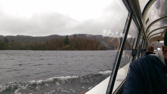 Bowness-on-Windermere, UK: From inside the cruise boat