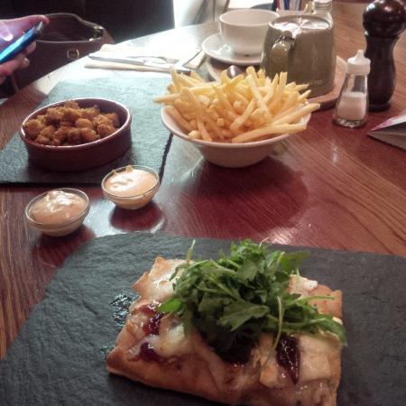 Baroosh: goat cheese flatbread & Chicken & chips