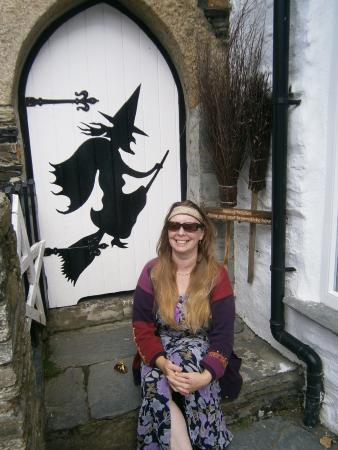 The Museum of Witchcraft: Shamrock Witch sits at the Witch Museum