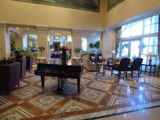 The Table Bay Hotel: Hotel Lounge... Enjoy Afternoon Tea Here