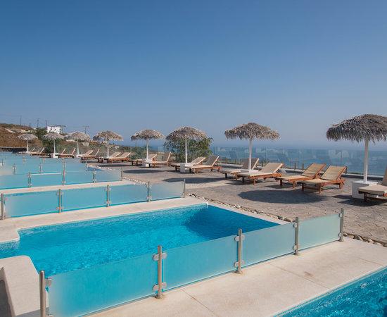 Splendour resort santorini firostefani hotel reviews for Affordable pools ri