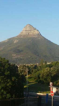 Rondebosch, Sudáfrica: An absolutely lovely place. First time visit to South Africa. Foid and service are wonderful