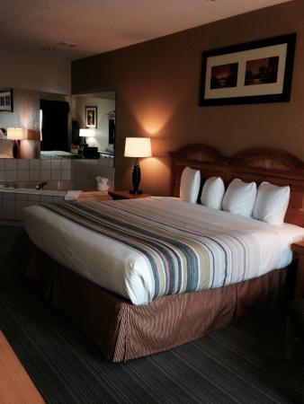Country Inn & Suites By Carlson, Matteson: Jacuzzi Room