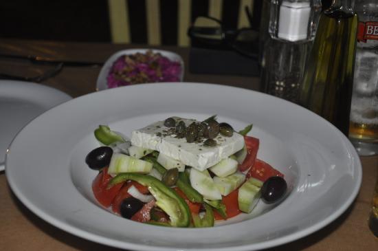 Faros, اليونان: Horiatiki (Greek salad)