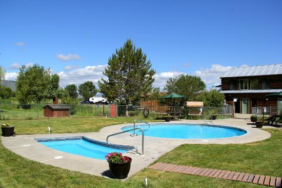 Grande Hot Springs RV Resort