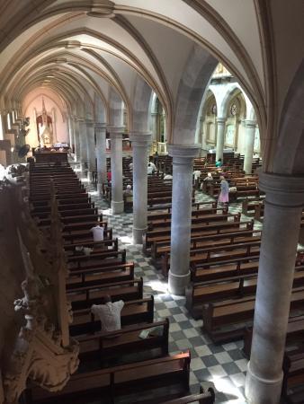 St. Emmanual Cathedral : Vista interna