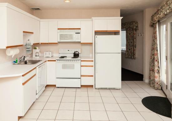 Green Harbor Resort: Townhouse kitchen